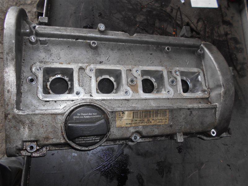 Клапанная крышка Vw Passat B5 AEB 1998