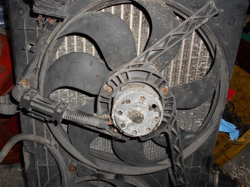 Вентилятор радиатора Vw Golf 4 1J1 AKQ 1998 передний левый