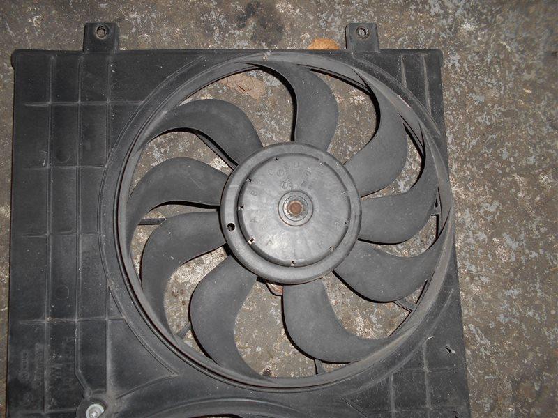 Вентилятор радиатора Vw Golf 4 1J1 AXR 2000 передний левый