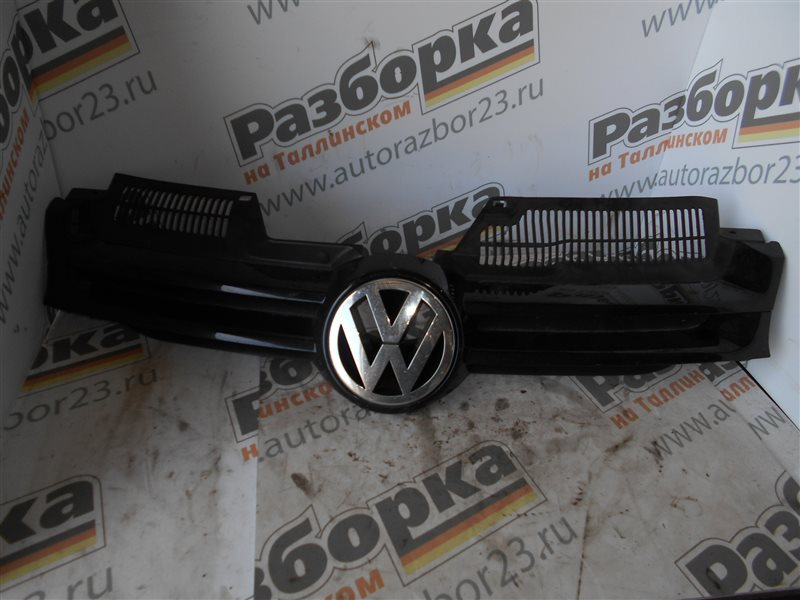 Решетка радиатора Vw Golf 5 1K1 BMM 2006