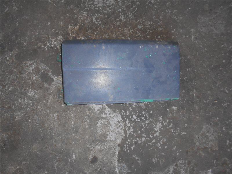 Накладка под фару. Vw Transporter T4 7DB 1993 передняя левая
