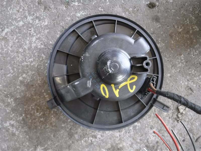Моторчик отопителя Skoda Octavia A5 BLS 2006