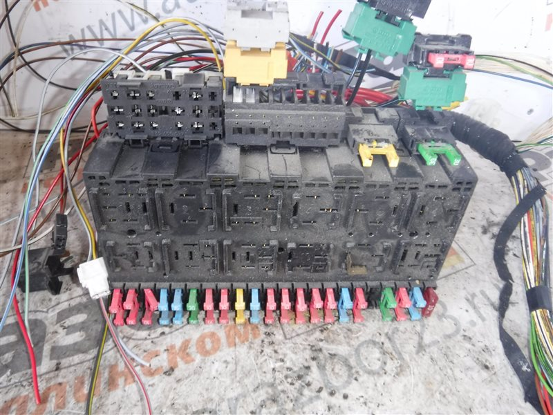 Монтажный блок реле Vw Transporter T4 7DB ABL 1995