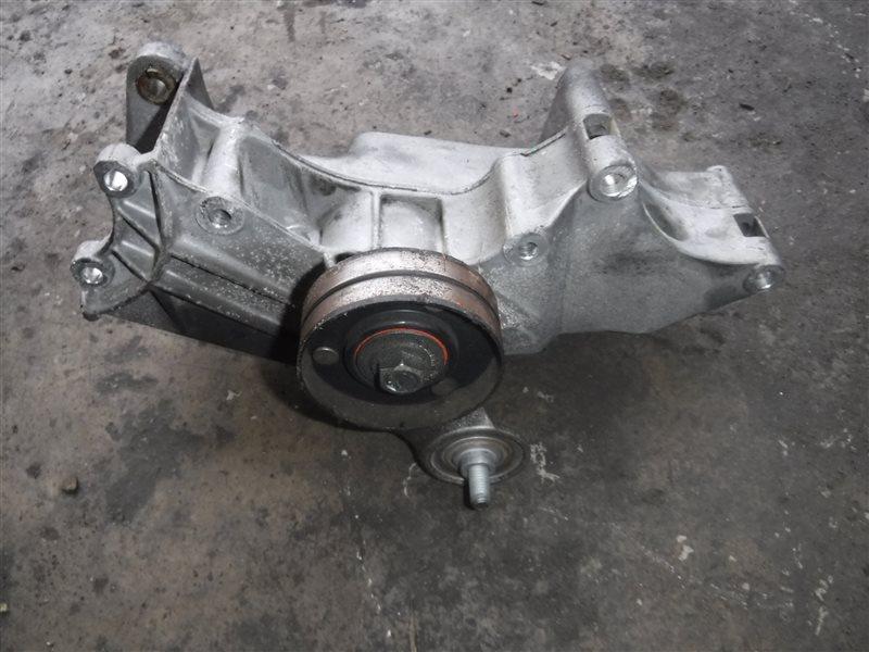 Кронштейн натяжителя ремня генератора Vw Golf 4 1J1 AZD 2001