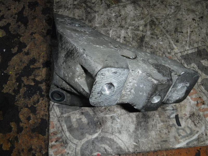 Кронштейн крепления двигателя Vw Golf 4 1J1 APF 1999 правый
