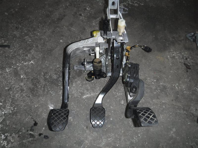 Блок педалей Vw Passat B5 3B6 AJM 2001