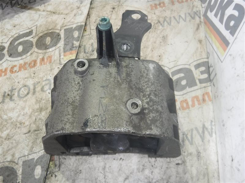 Опора двигателя Vw Golf 4 1J1 AKQ 1999 передняя правая