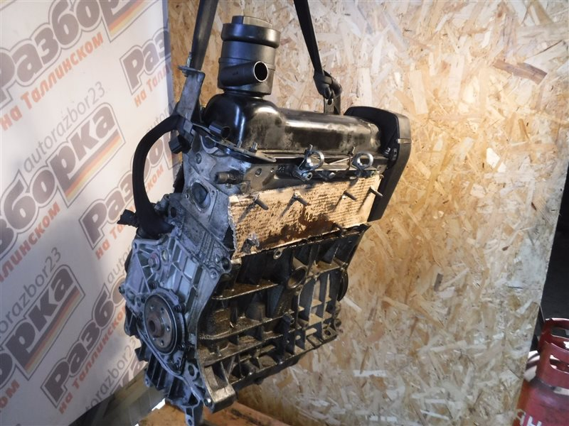 Двигатель Vw Golf 4 1J1 AKL 1998
