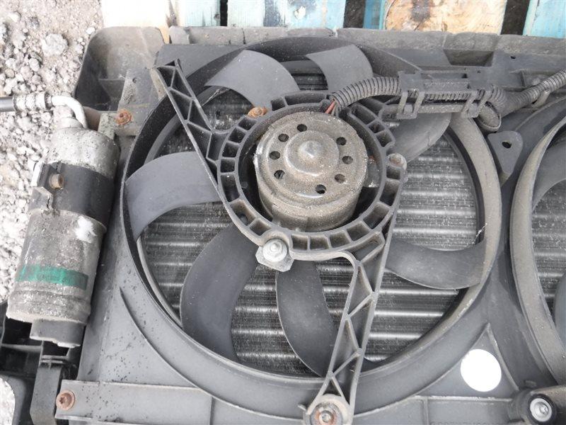 Вентилятор радиатора кондиционера Vw Golf 4 1J1 AXP 2001 передний правый