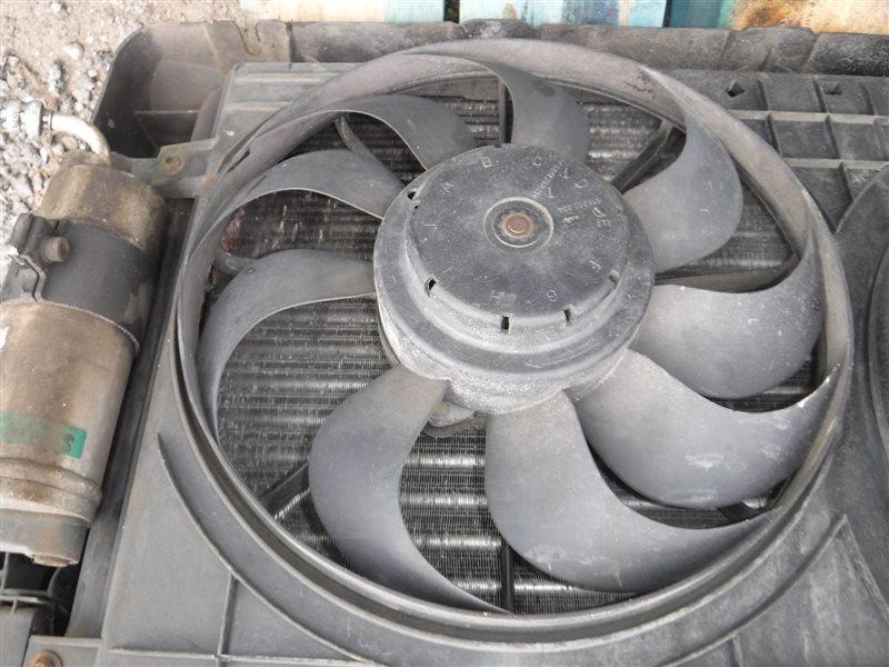 Вентилятор радиатора кондиционера Vw Golf 4 1J1 AZD 2001 передний правый