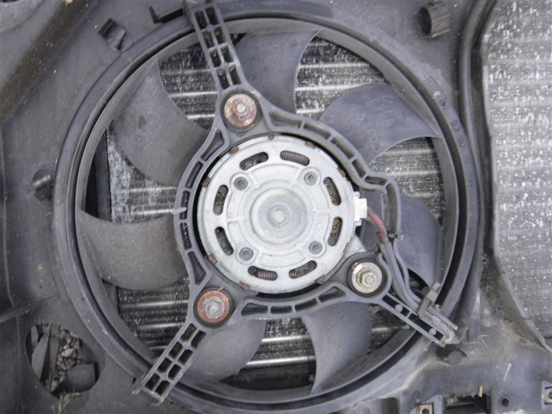 Вентилятор радиатора кондиционера Vw Passat B5 3B5 AFN 1999