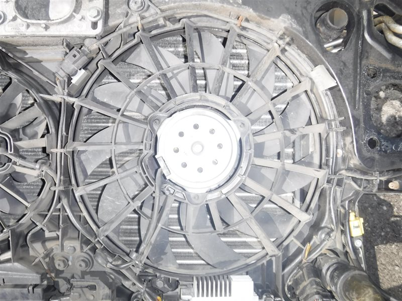 Вентилятор радиатора Audi A4 B6 ALT 2003