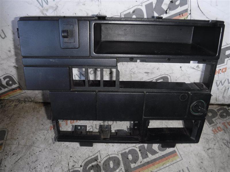 Центральная консоль Vw Transporter T4 7DB AAB 1991
