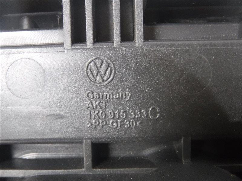 Площадка под аккумулятор Vw Passat B6 3B6 BMP 2006