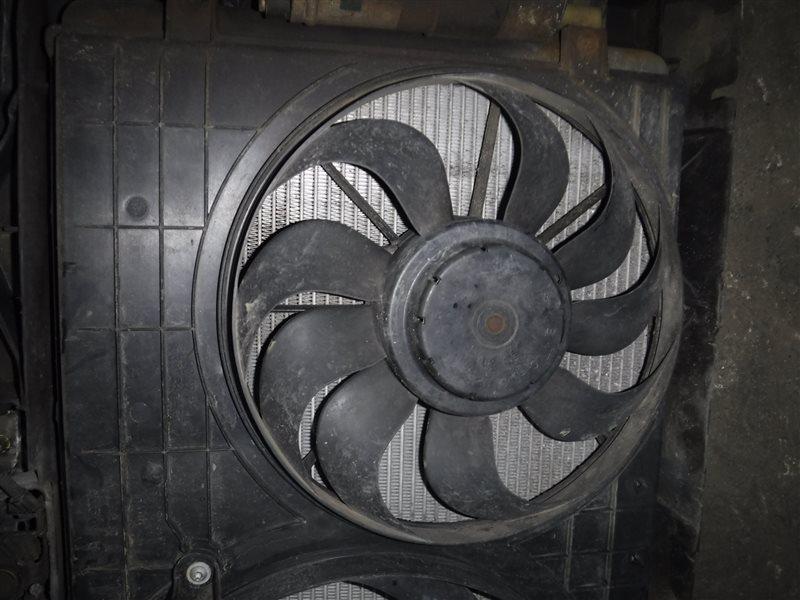Вентилятор радиатора кондиционера Vw Golf 4 1J1 ALH 2000 передний правый