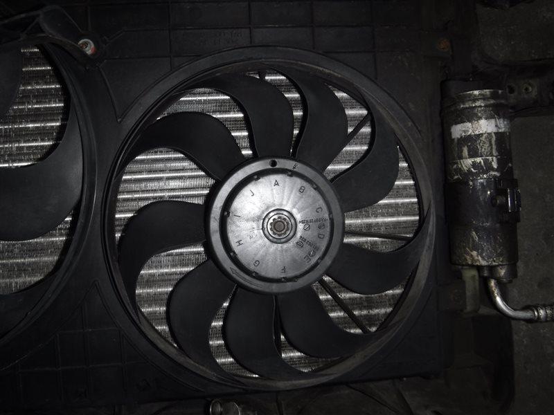 Вентилятор радиатора кондиционера Vw Golf 4 1J1 BCA 2001 передний правый