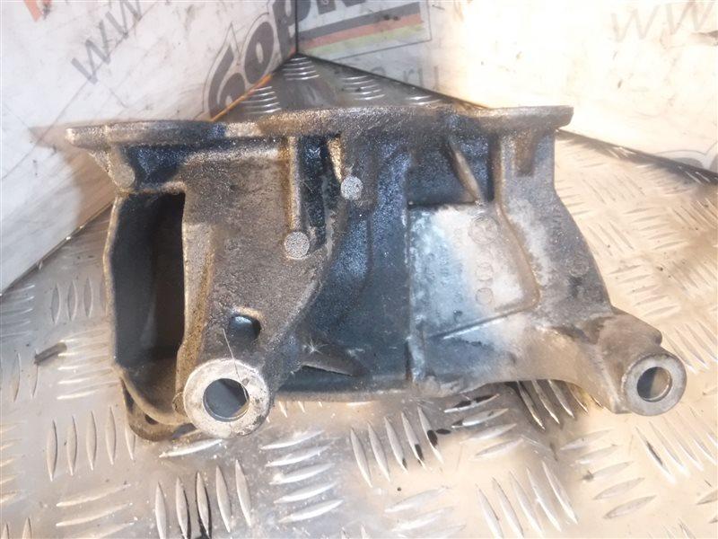 Кронштейн крепления двигателя Vw Transporter T5 7HB AXD 2005 передний