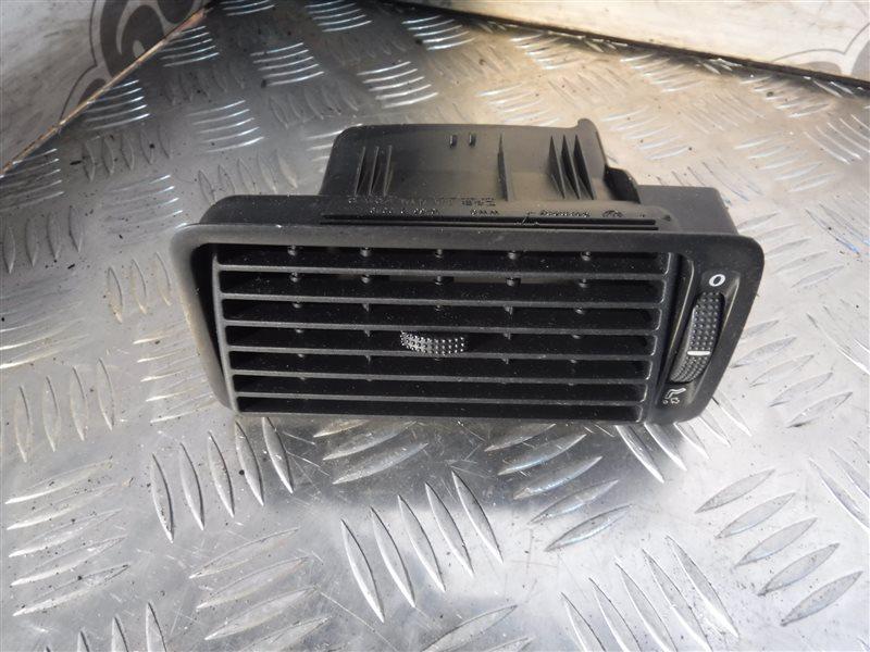 Дефлектор отопителя Vw Golf 4 1J1 AKL 1998 передний правый
