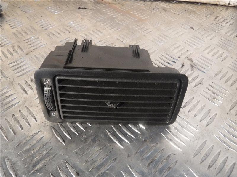 Дефлектор отопителя Vw Golf 4 1J1 APE 2001 передний правый