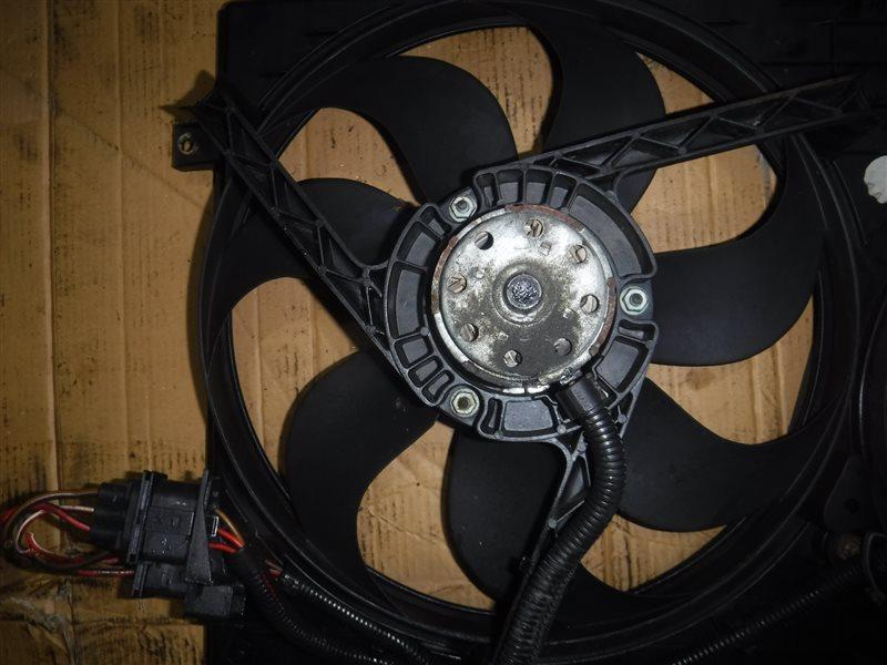 Вентилятор радиатора Vw Golf 4 1J1 APE 2000 передний левый
