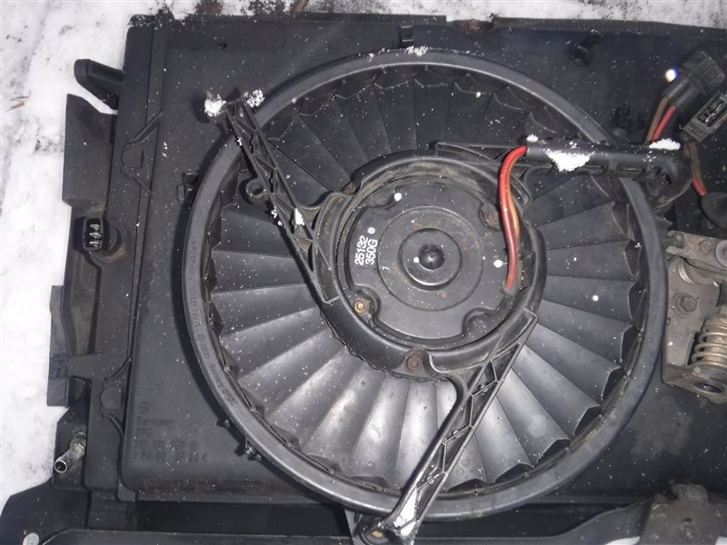 Вентилятор Vw Transporter T4 7DB ABL 1991 передний правый