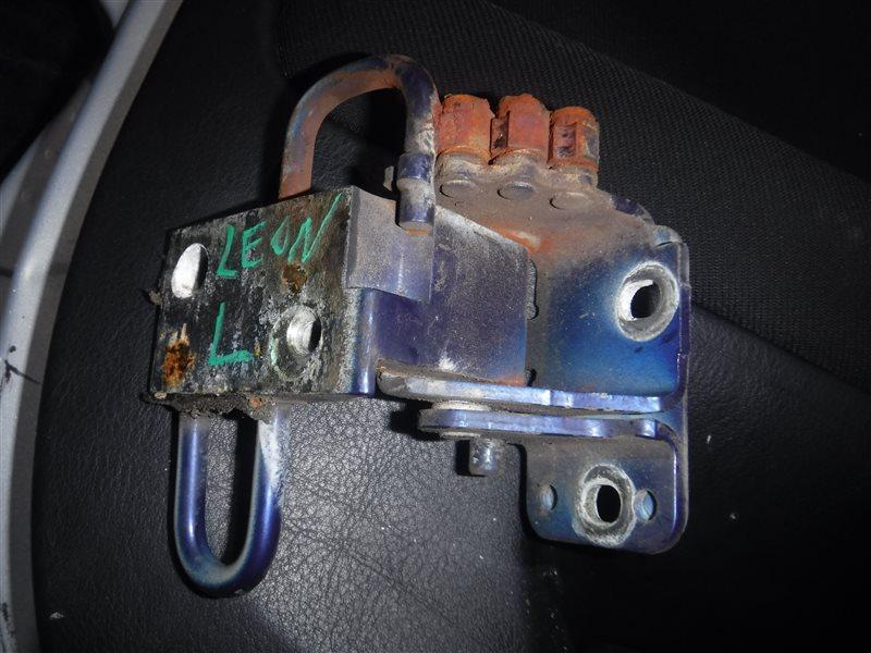 Петля двери Seat Leon 1M BCB 2003 передняя левая