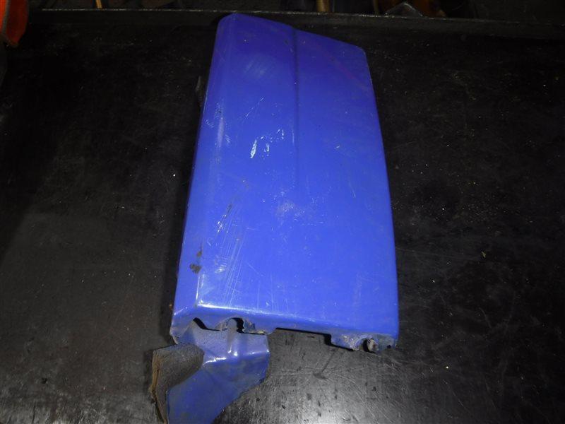 Накладка ( ус ) под фару Vw Transporter T4 7DB AAB 1991 передняя правая