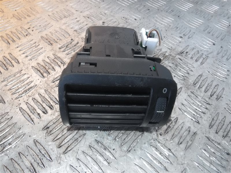 Дефлектор отопителя Vw Passat B5 3B5 AHL 1998 передний левый