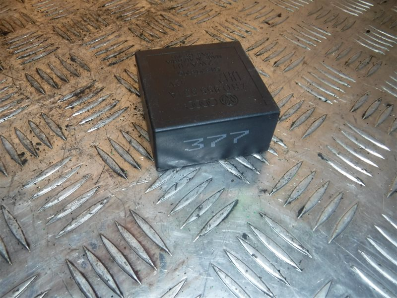 Реле включения стеклоочистителя. Vw Passat B5 3B5 ADR 1999