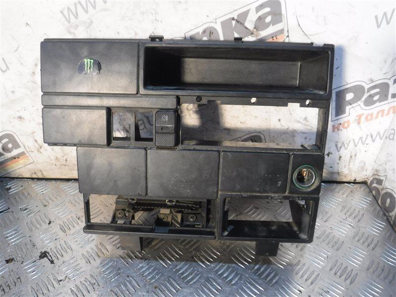 Центральная консоль Vw Transporter T4 7DB ABL 1991