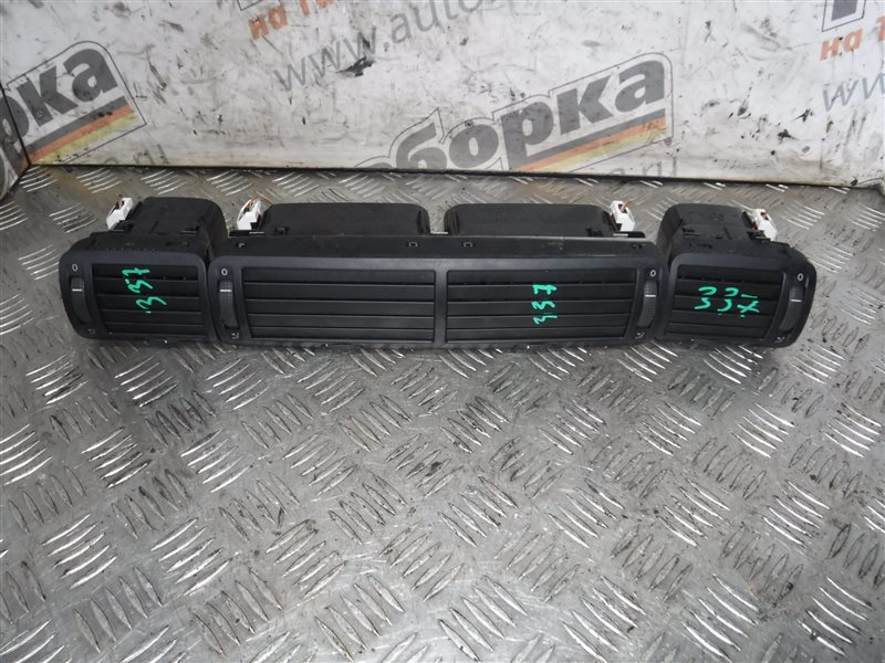 Дефлектор отопителя Vw Passat B5 3B6 AZM 2002