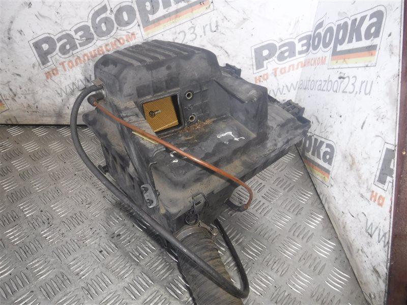 Корпус воздушного фильтра Vw Passat B3 2E 1993