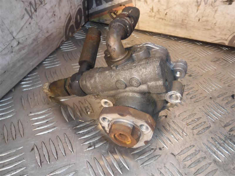 Насос гидроусилителя Vw Bora 1J2 AKQ 1999