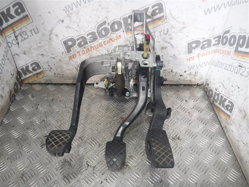 Блок педалей Vw Passat B5 3B5 AEB 1997