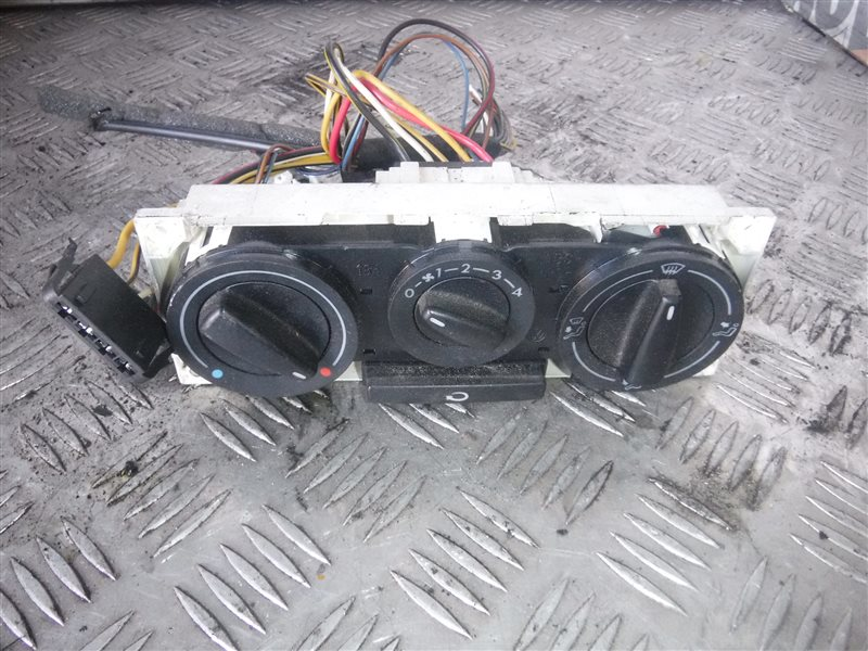 Блок управления отопителем Vw Transporter T4 7DA ABL 1995