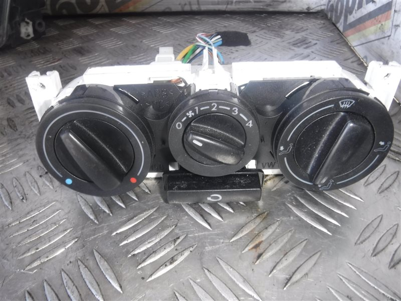 Блок управления отопителем Vw Golf 4 1J1 AKL 2000 передний правый