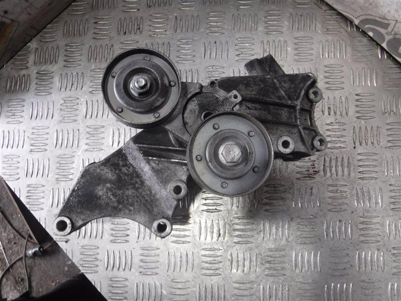 Кронштейн крепления генератора Vw Golf 4 1J1 AXP 2001