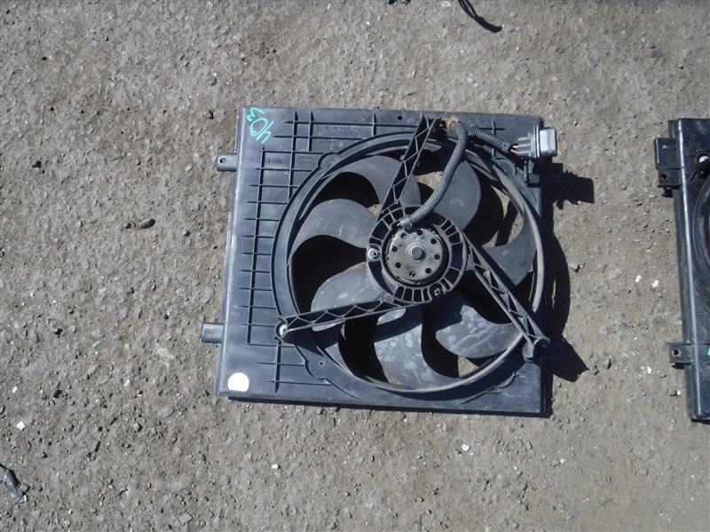 Вентилятор радиатора кондиционера Vw Golf 4 1J1 AXP 2000