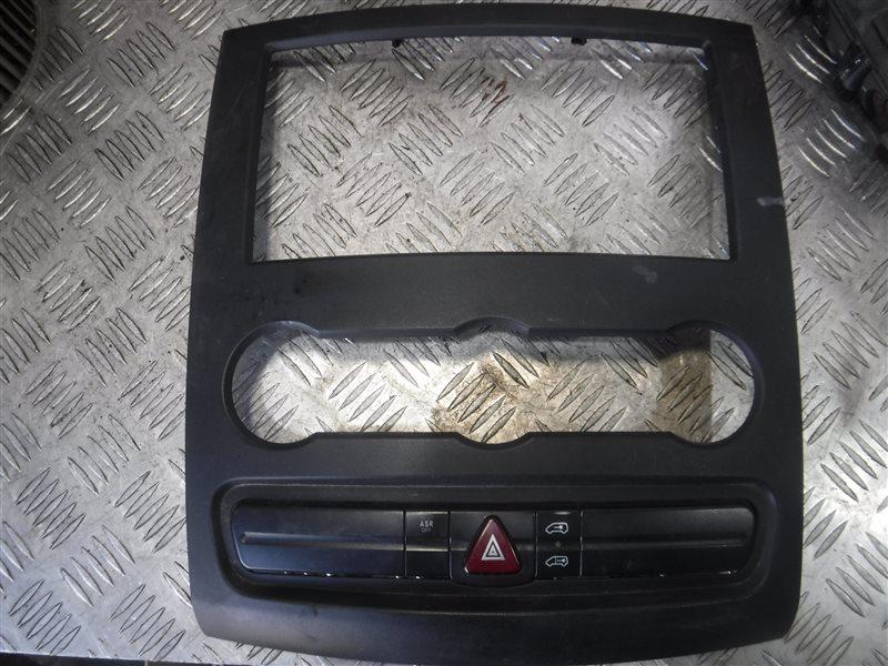Центральная консоль Mercedes Sprinter 906 646.984 2010