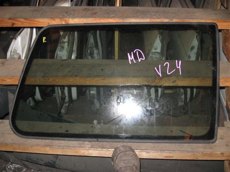 Стекло собачника Mitsubishi Pajero V26W 1993 заднее правое