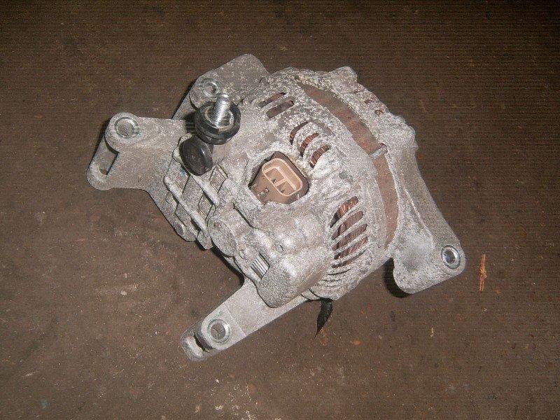 Генератор Mazda Atenza GG3P LF 2005