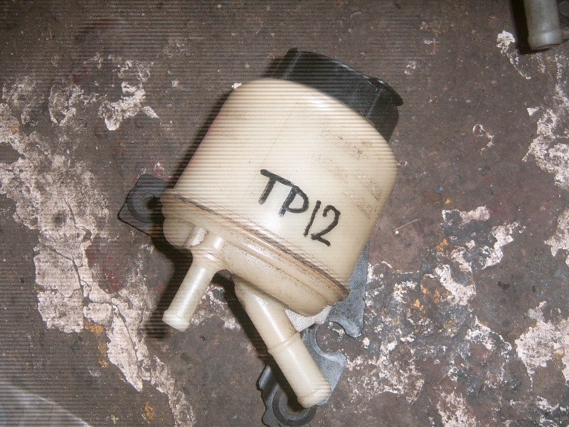 Бачок гидроусилителя Nissan Primera TP12