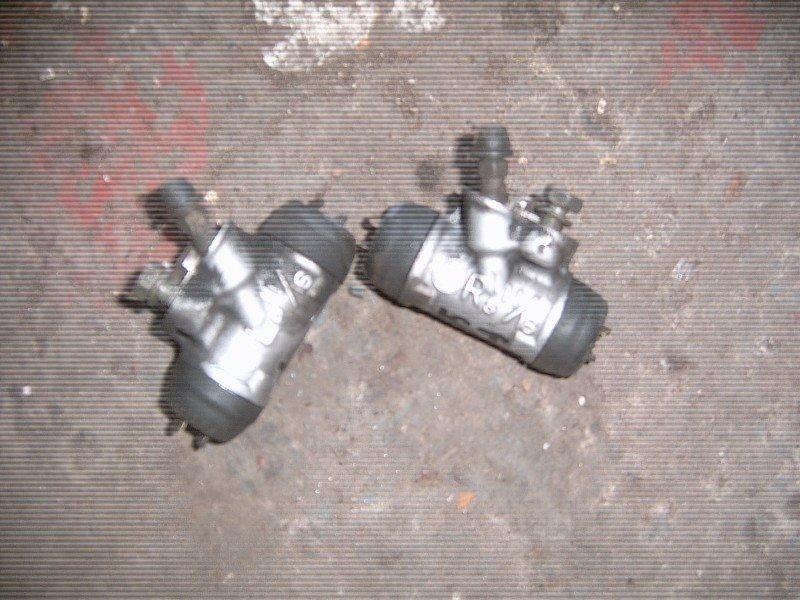 Тормозной цилиндр Toyota Ist NCP60 задний левый