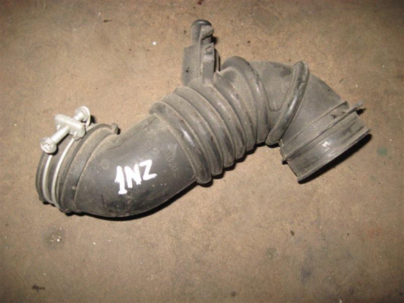 Патрубок воздушного фильтра Toyota Platz SCP11 2NZ-FE