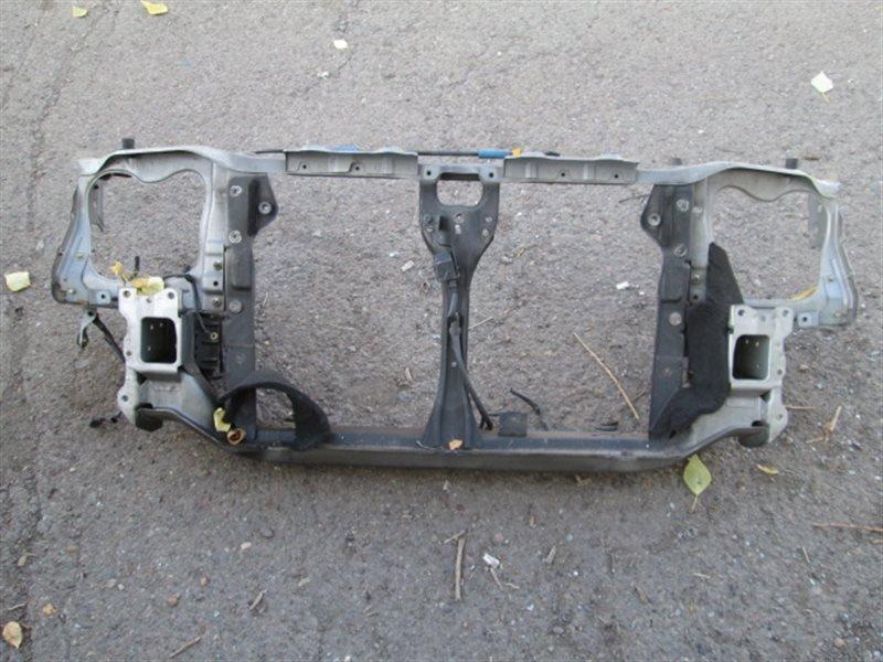 Рамка радиатора Subaru Forester SG5 EJ20 2005 передняя