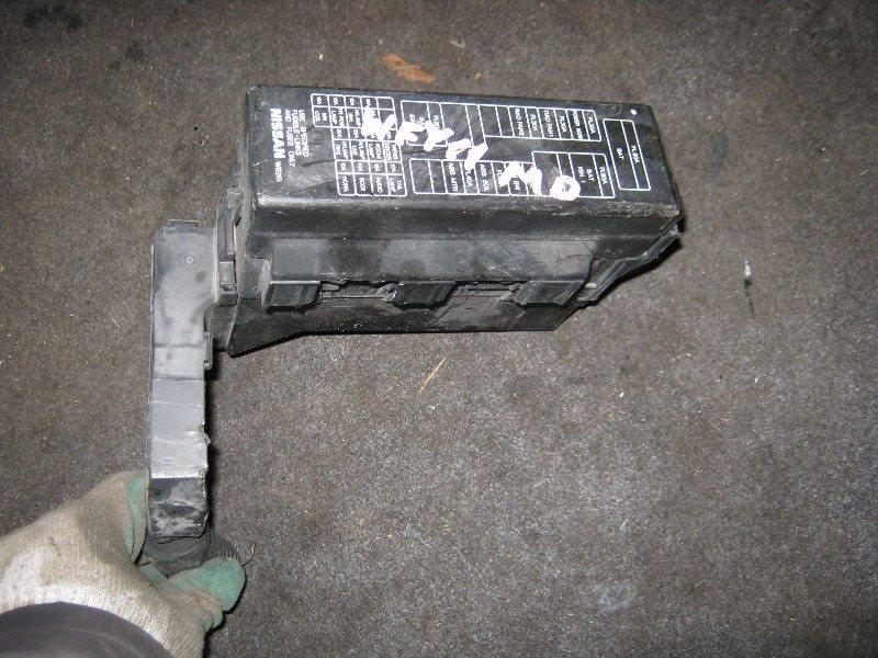 Блок предохранителей Nissan Wingroad WFY11 QG15-DE