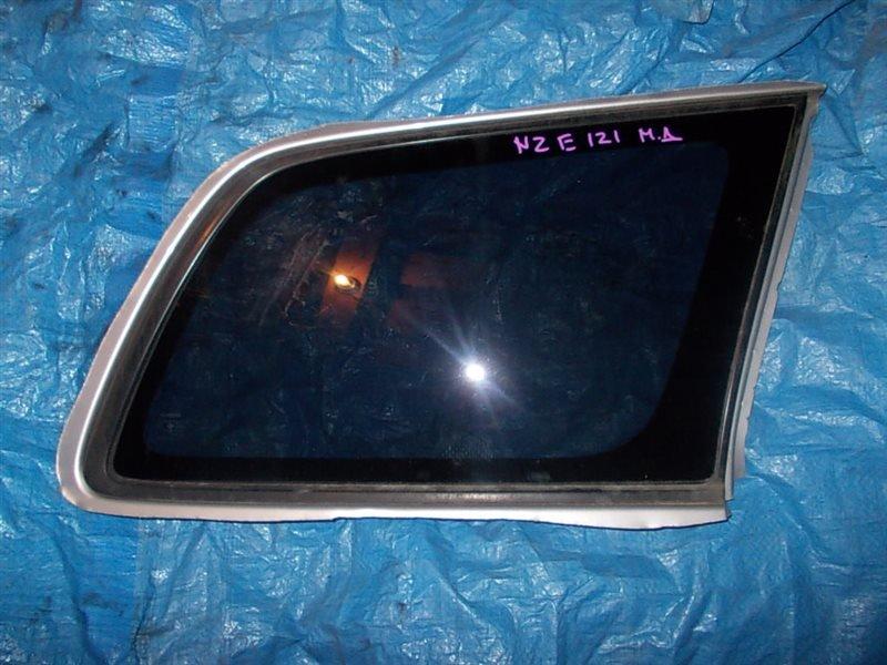 Стекло собачника Toyota Corolla Fielder NZE121 1NZ-FE 2003 заднее правое