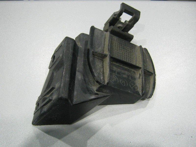 Клипса бампера Bmw 318I E46 N42B20 2003 задняя правая