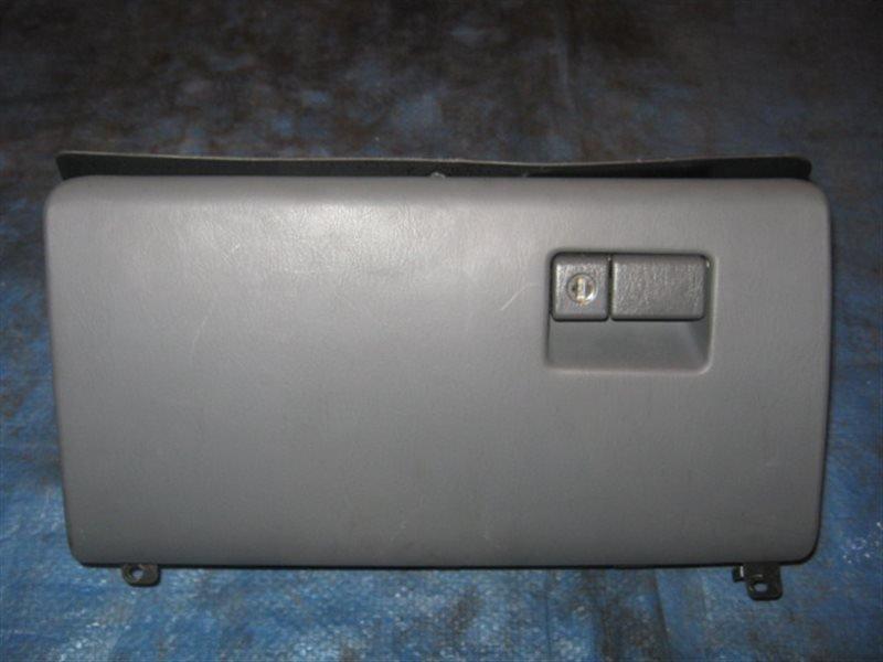Бардачок Toyota Camry SV32