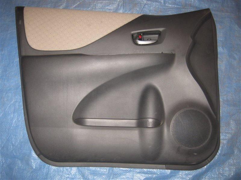 Обшивка двери Toyota Ractis SCP100 передняя левая
